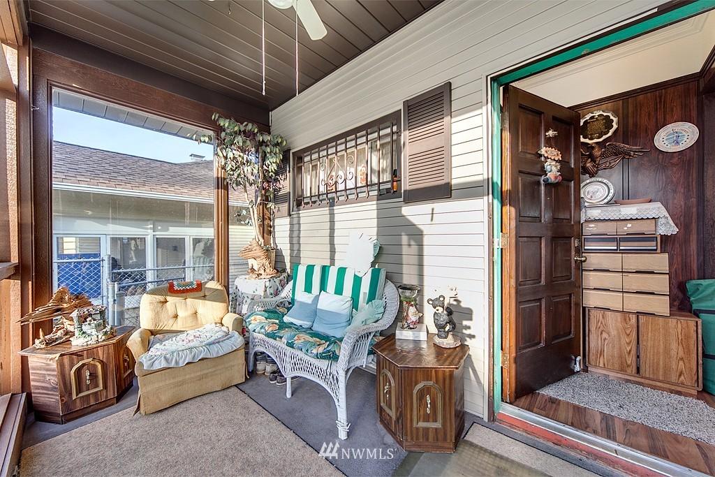 Sold Property | 3310 25th Avenue S Seattle, WA 98144 1