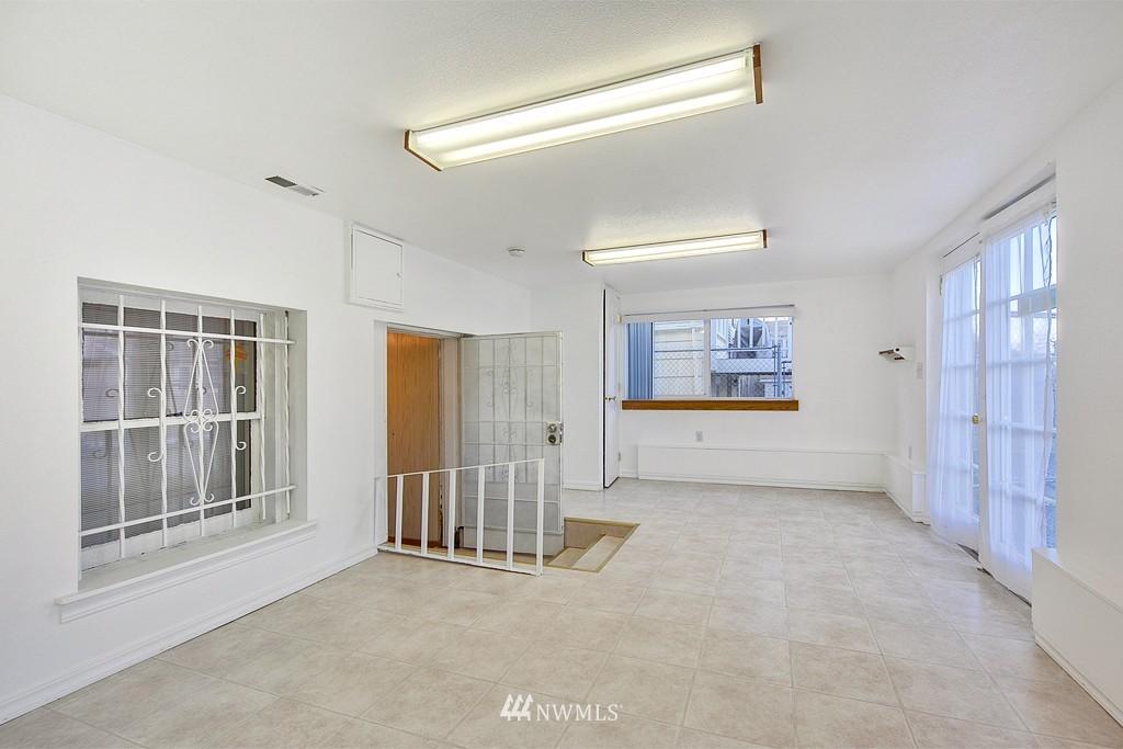 Sold Property | 3310 25th Avenue S Seattle, WA 98144 10