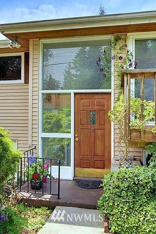 Sold Property | 9727 45th Avenue NE Seattle, WA 98115 0