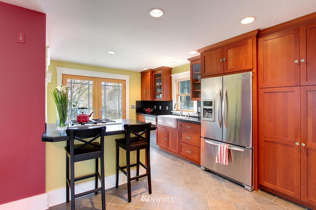 Sold Property   8222 Corliss Avenue N Seattle, WA 98103 4
