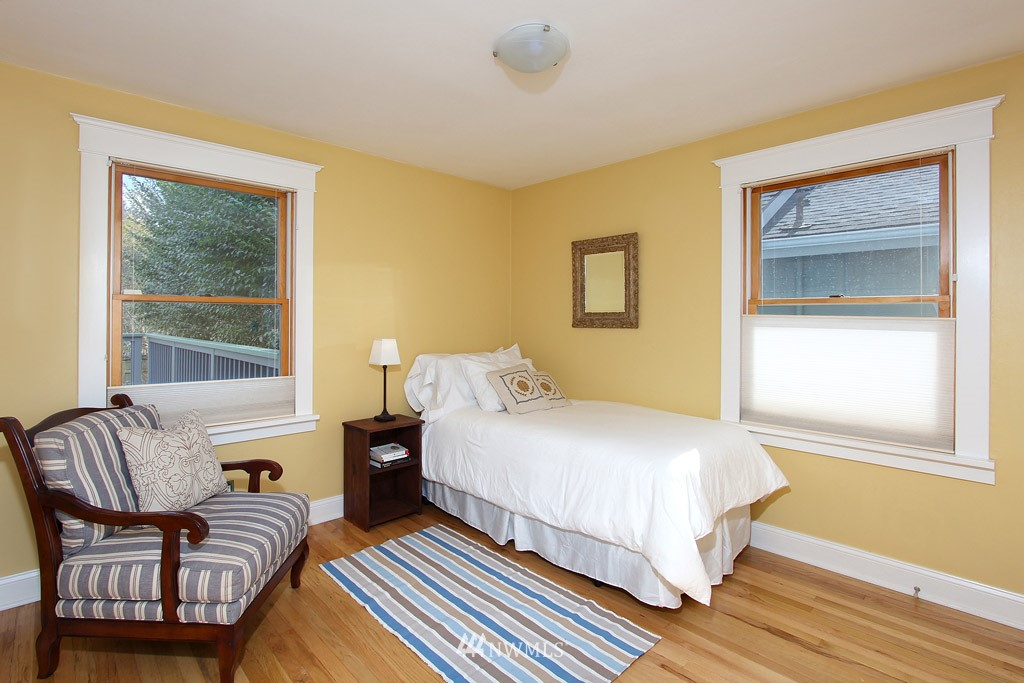 Sold Property   8222 Corliss Avenue N Seattle, WA 98103 7
