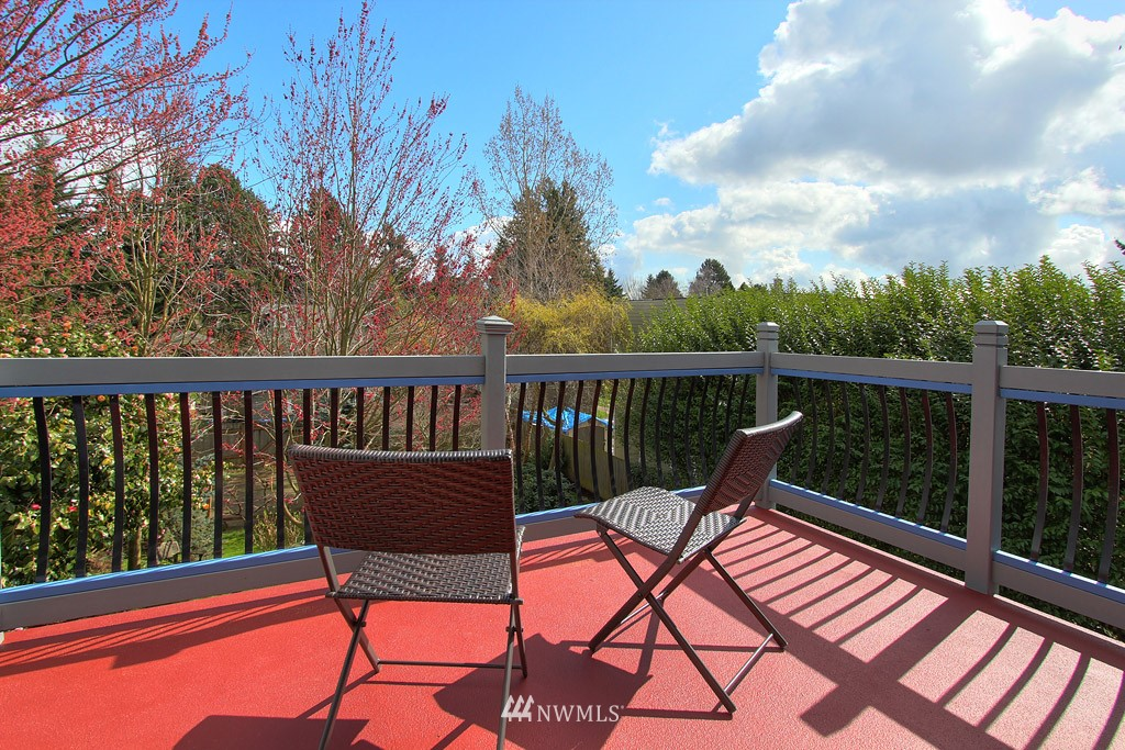 Sold Property   8222 Corliss Avenue N Seattle, WA 98103 13