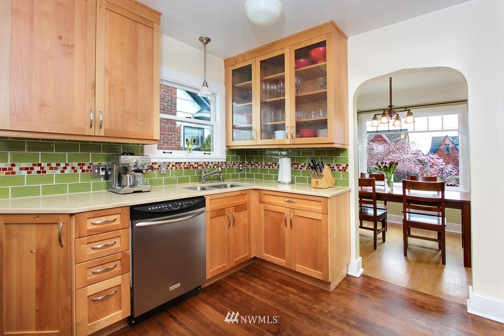 Sold Property | 7717 Dibble Avenue NW Seattle, WA 98117 4