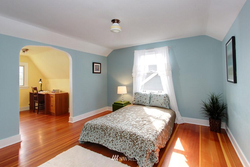Sold Property | 7717 Dibble Avenue NW Seattle, WA 98117 6