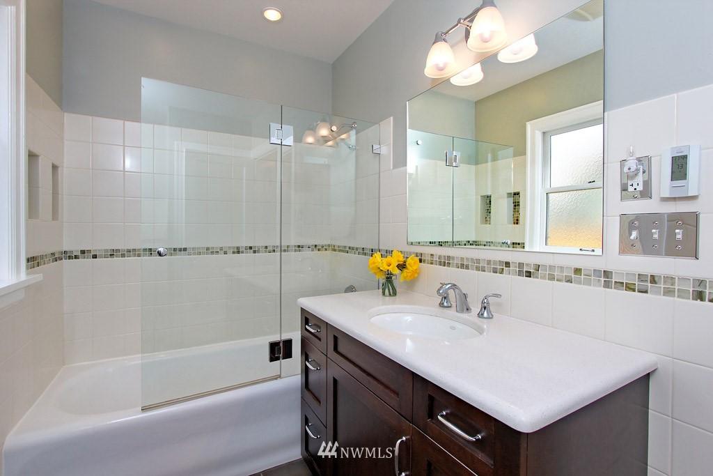 Sold Property | 7717 Dibble Avenue NW Seattle, WA 98117 10