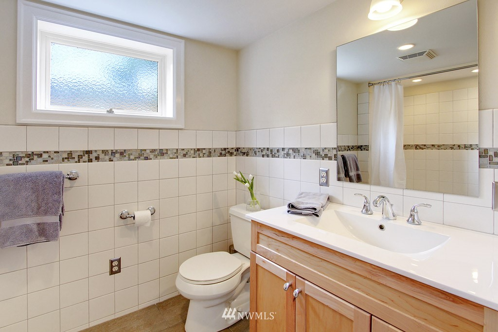 Sold Property | 7717 Dibble Avenue NW Seattle, WA 98117 12