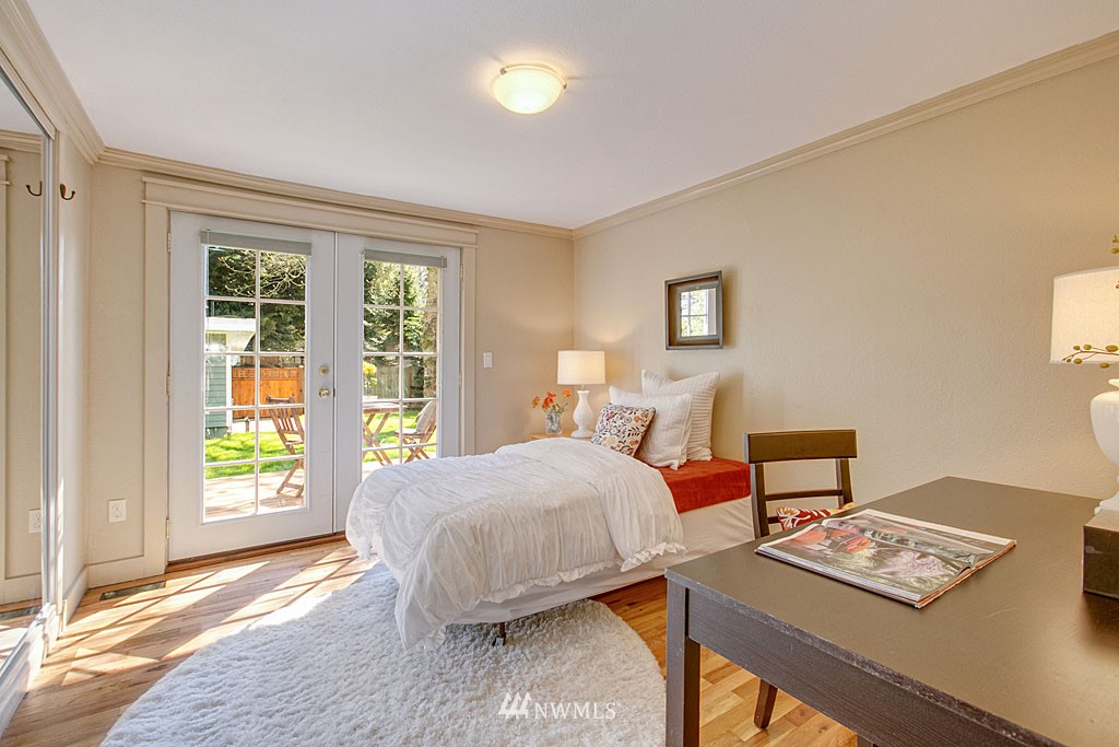 Sold Property   13344 20th Avenue NE Seattle, WA 98125 7
