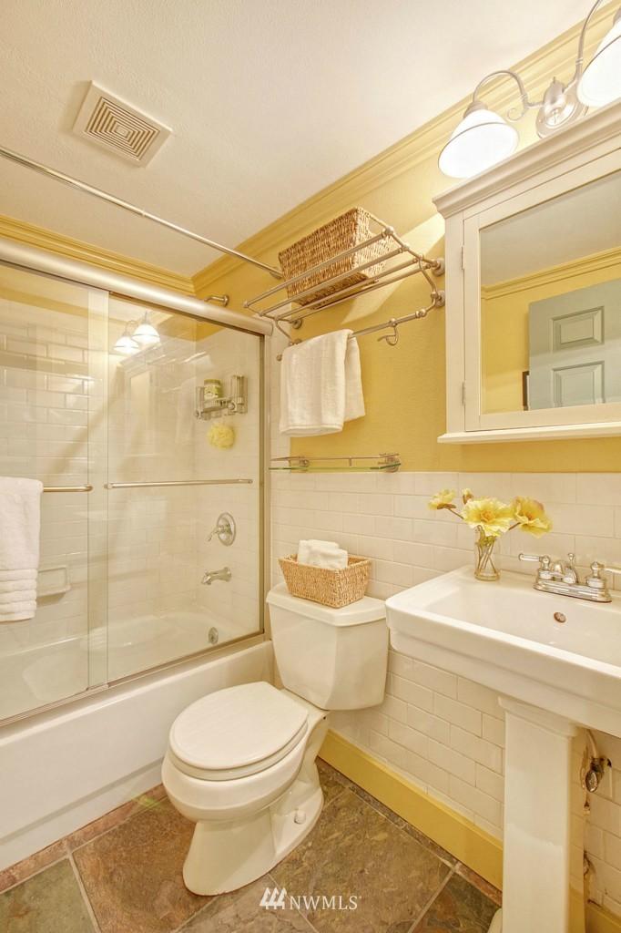 Sold Property   13344 20th Avenue NE Seattle, WA 98125 6