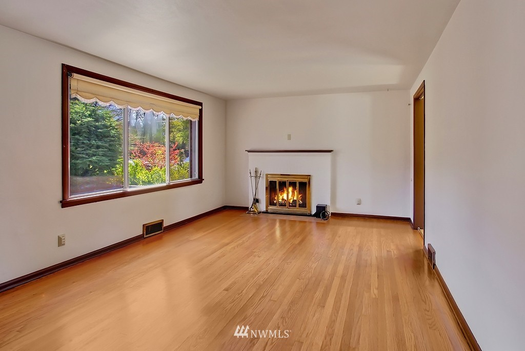 Sold Property | 4409 4th  Avenue NW Seattle, WA 98107 3
