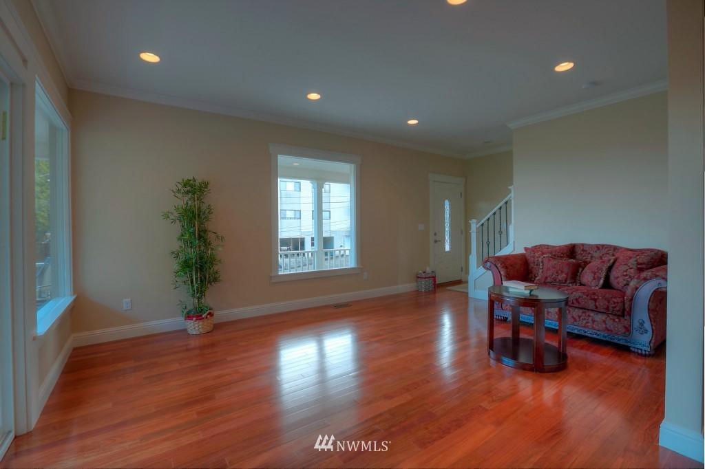 Sold Property | 321 N 49th Street Seattle, WA 98103 2