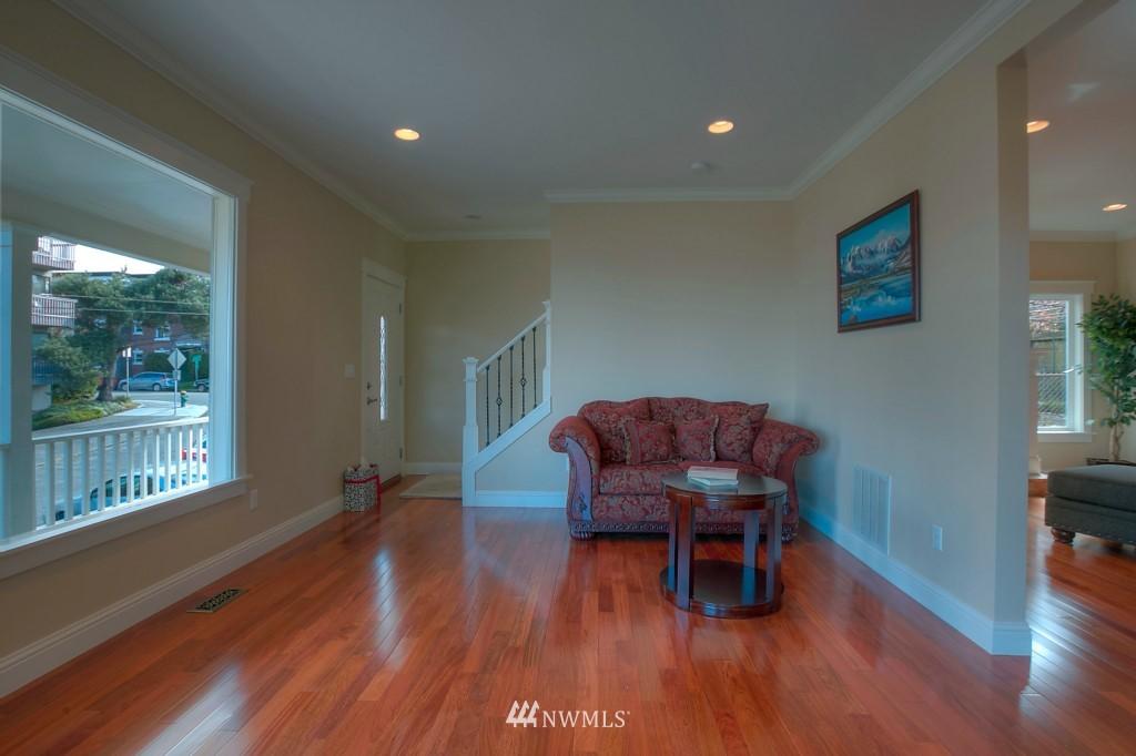 Sold Property | 321 N 49th Street Seattle, WA 98103 3