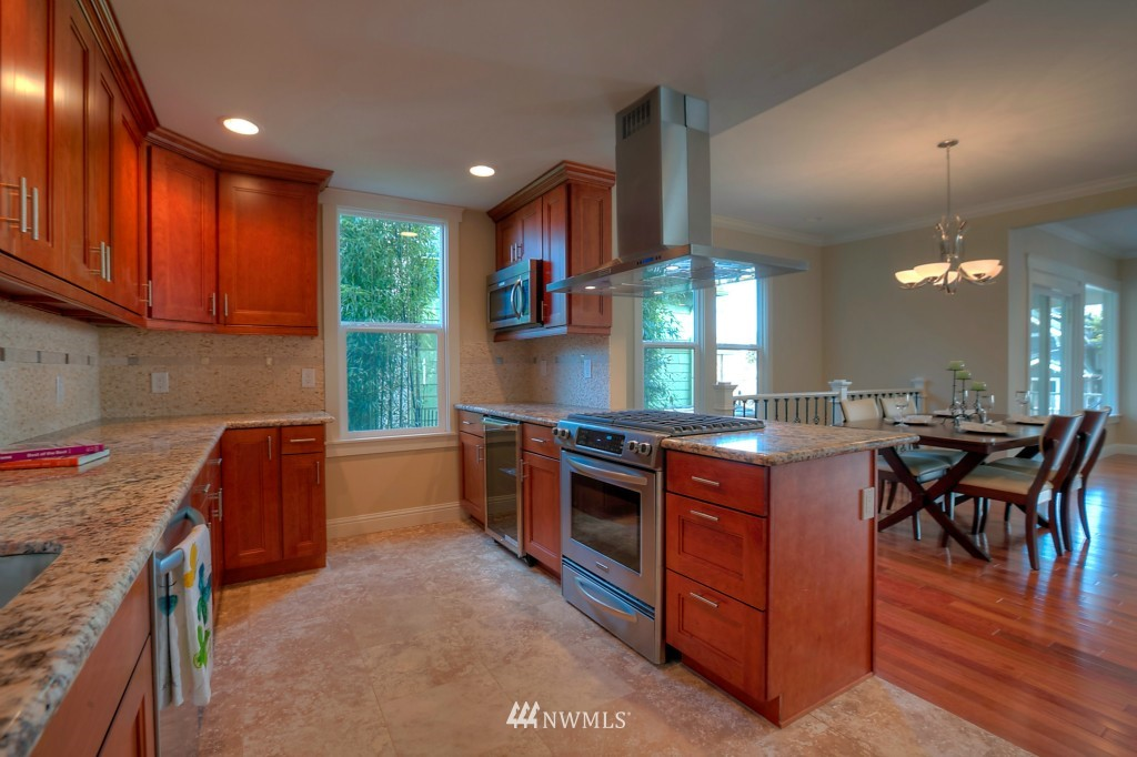 Sold Property | 321 N 49th Street Seattle, WA 98103 5