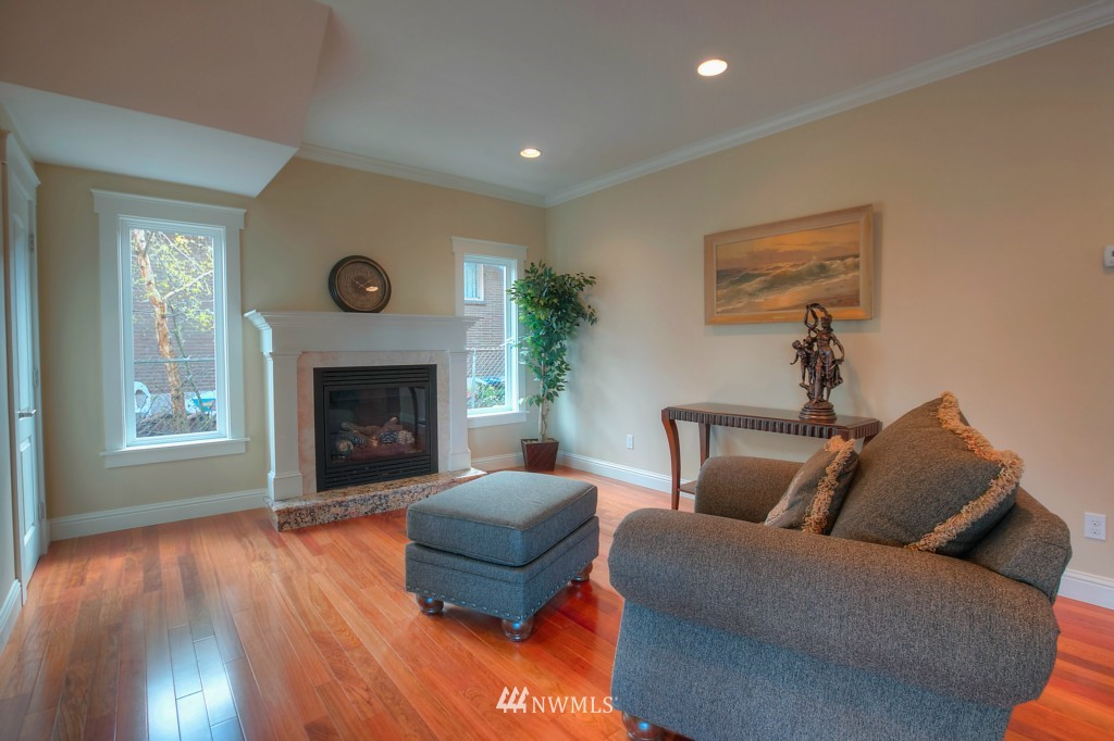 Sold Property | 321 N 49th Street Seattle, WA 98103 8