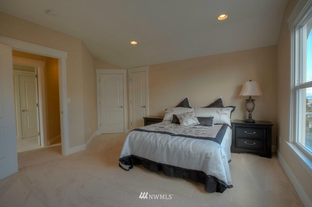 Sold Property | 321 N 49th Street Seattle, WA 98103 10
