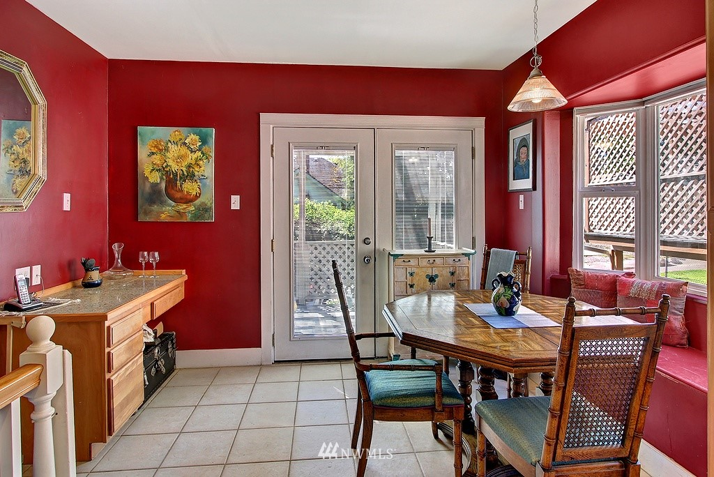 Sold Property | 539 N 73rd Street Seattle, WA 98103 3