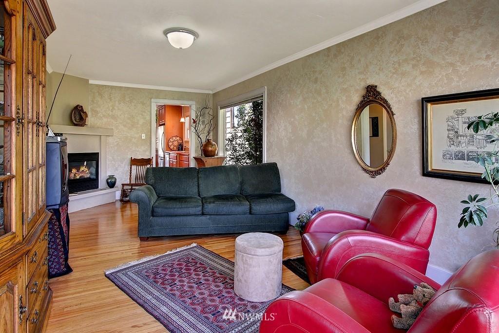 Sold Property | 539 N 73rd Street Seattle, WA 98103 4