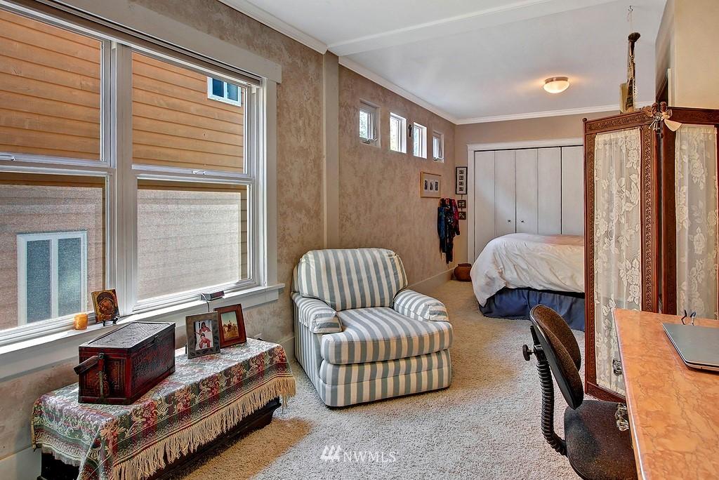 Sold Property | 539 N 73rd Street Seattle, WA 98103 6