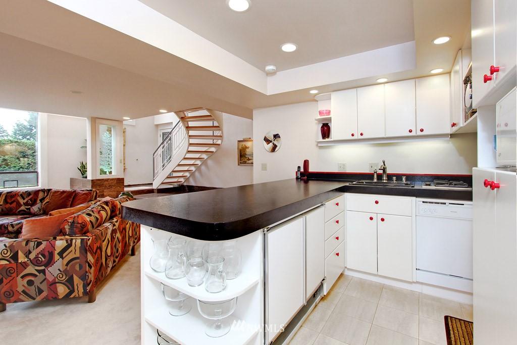 Sold Property | 5808 E Mercer Way Mercer Island, WA 98040 11