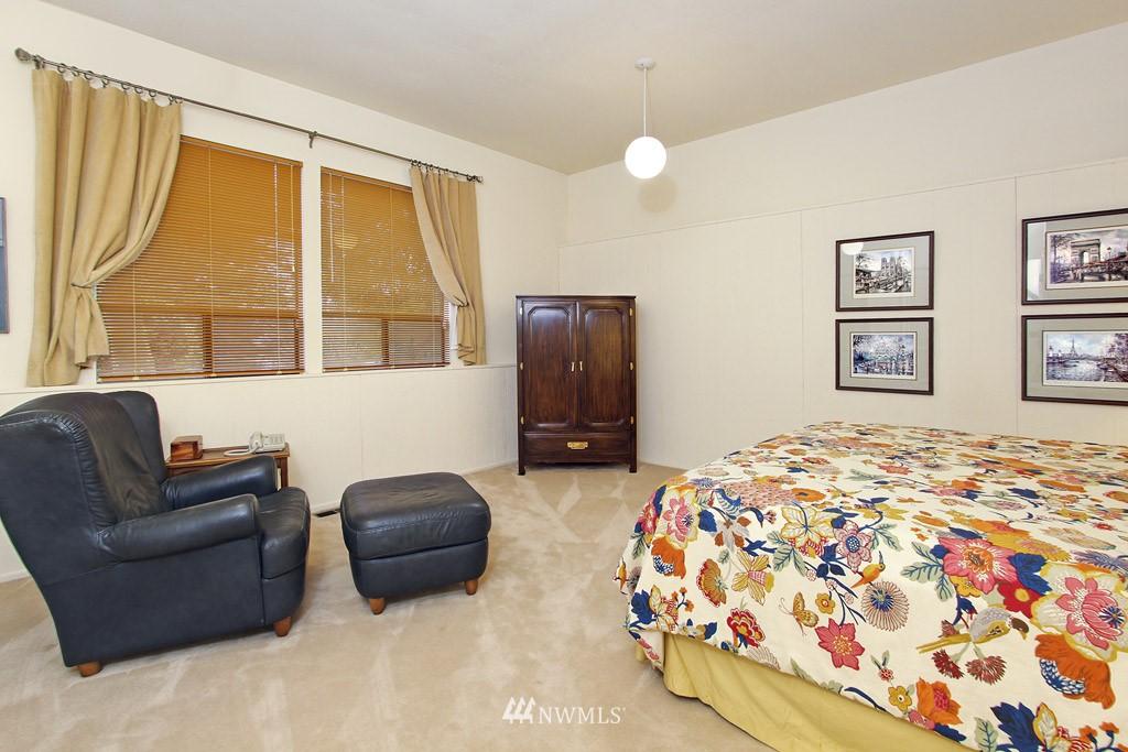 Sold Property | 5808 E Mercer Way Mercer Island, WA 98040 12