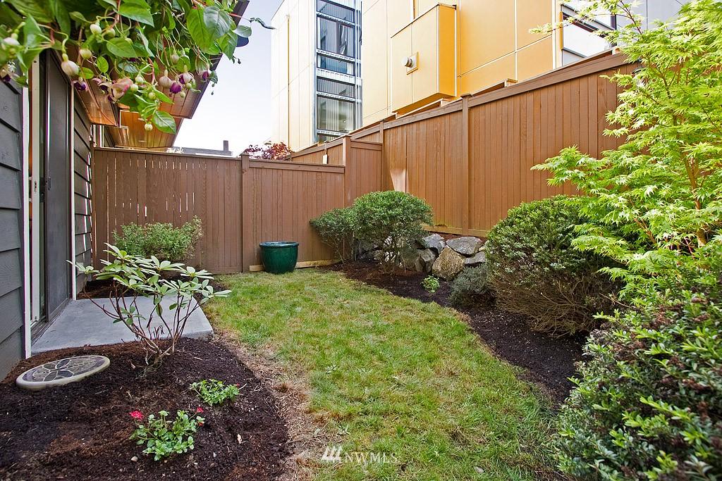Sold Property   1619 E Fir Street Seattle, WA 98122 12