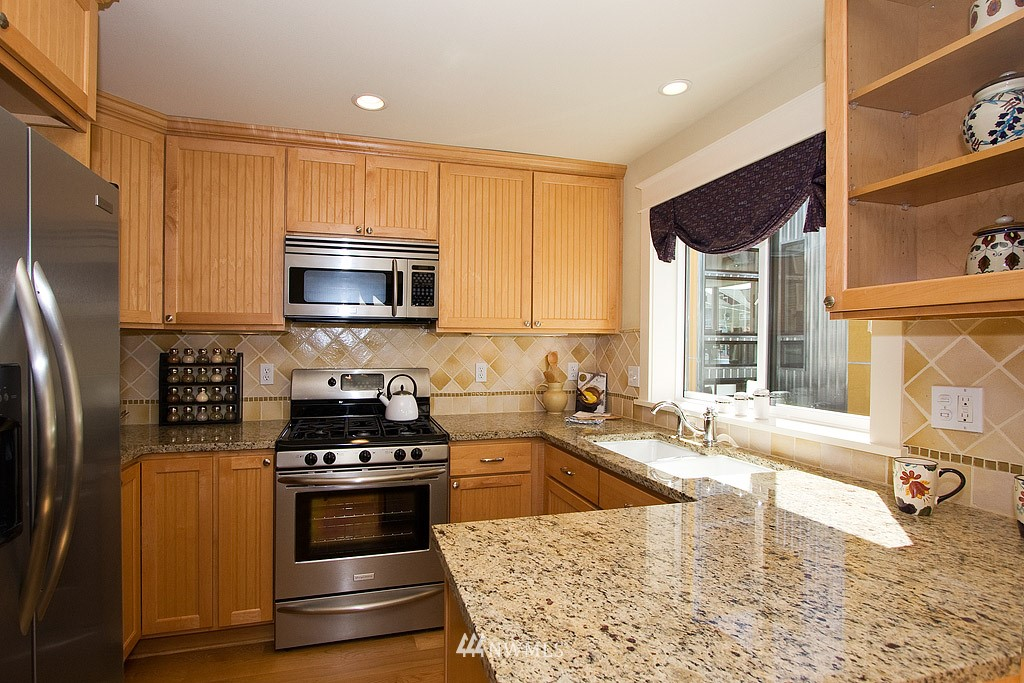 Sold Property   1619 E Fir Street Seattle, WA 98122 4