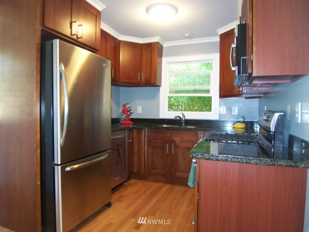 Sold Property | 2812 NW 74th Seattle, WA 98117 4