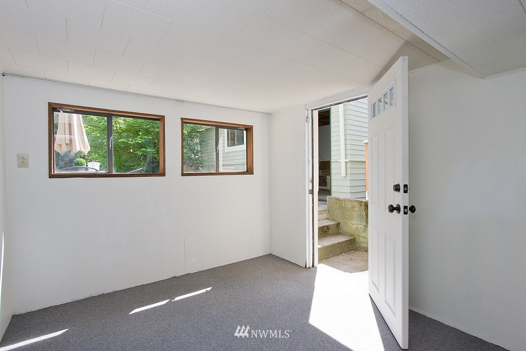 Sold Property | 3810 Burke  Avenue N Seattle, WA 98103 11
