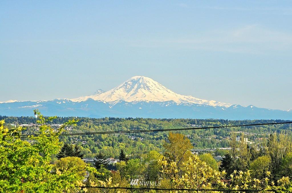 Sold Property | 7410 S 129th Street Seattle, WA 98178 1
