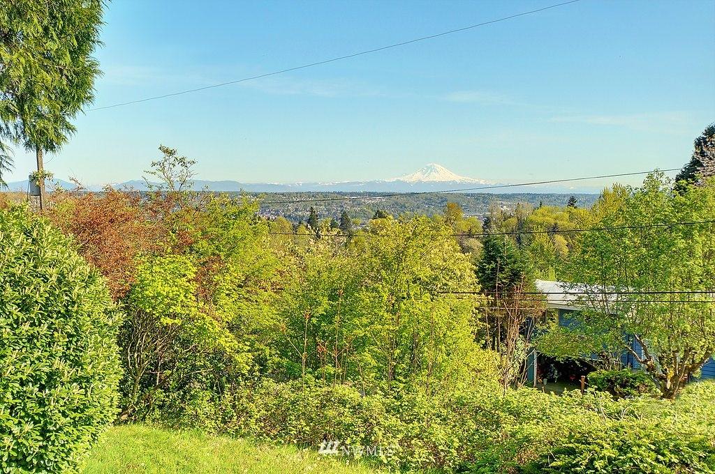 Sold Property | 7410 S 129th Street Seattle, WA 98178 2