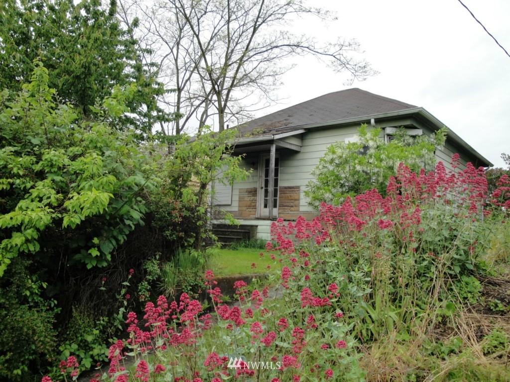 Sold Property | 2344 N 57th Street Seattle, WA 98103 5