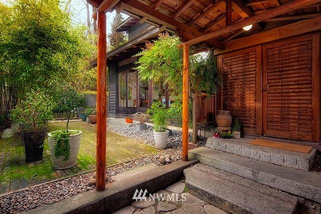 Sold Property | 415 26th Avenue E Seattle, WA 98112 1