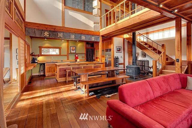 Sold Property | 415 26th Avenue E Seattle, WA 98112 4