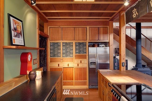 Sold Property | 415 26th Avenue E Seattle, WA 98112 8