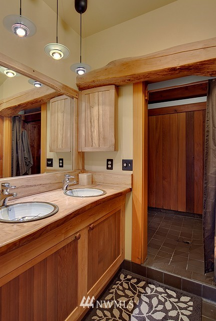 Sold Property | 415 26th Avenue E Seattle, WA 98112 11