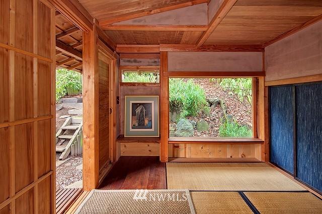 Sold Property | 415 26th Avenue E Seattle, WA 98112 12