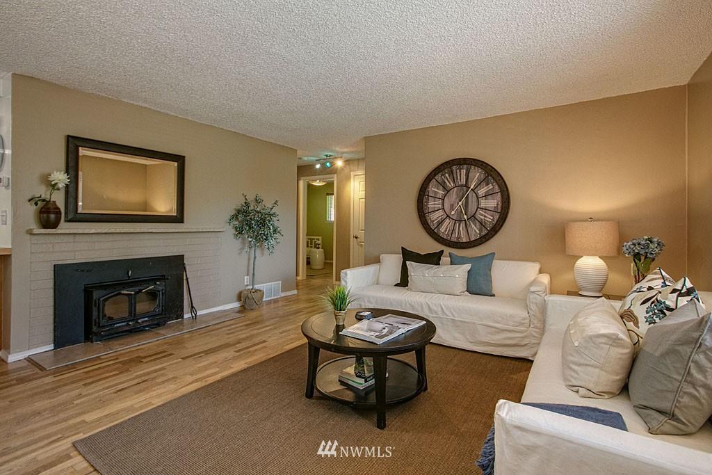 Sold Property | 13734 Stone Avenue N Seattle, WA 98133 1