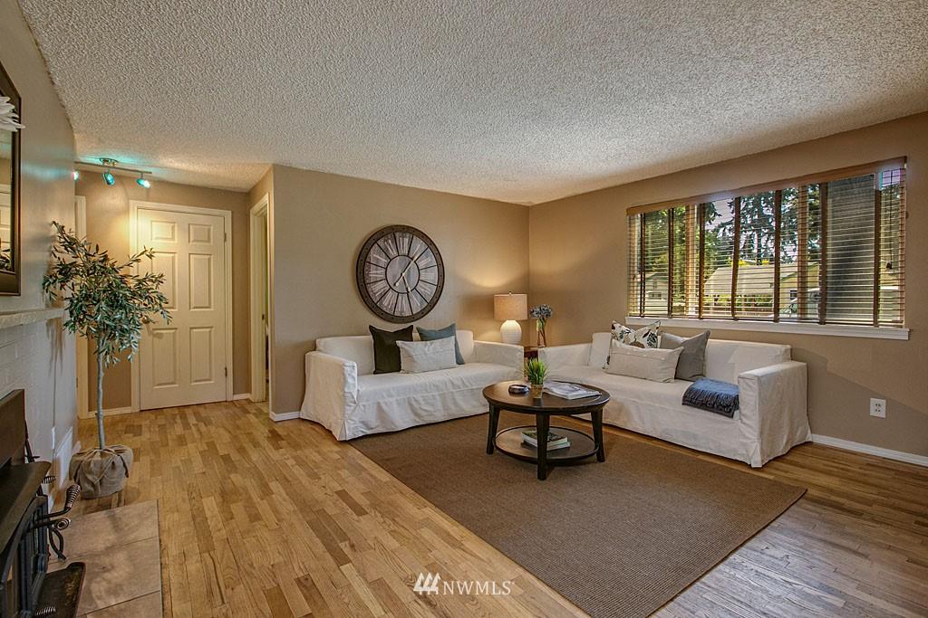 Sold Property | 13734 Stone Avenue N Seattle, WA 98133 2