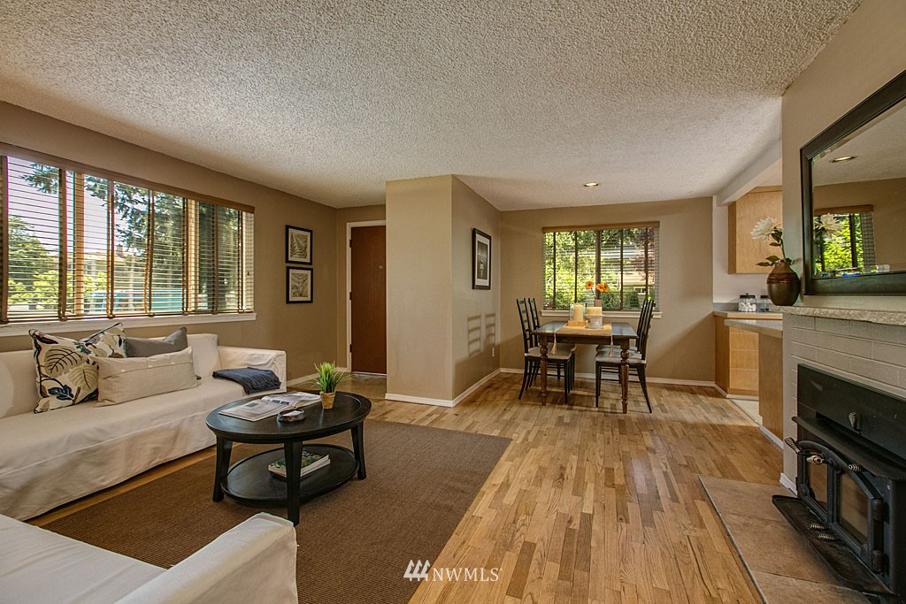 Sold Property | 13734 Stone Avenue N Seattle, WA 98133 5