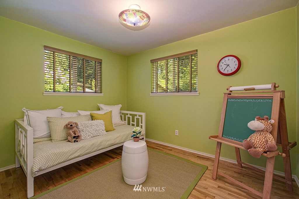 Sold Property | 13734 Stone Avenue N Seattle, WA 98133 8