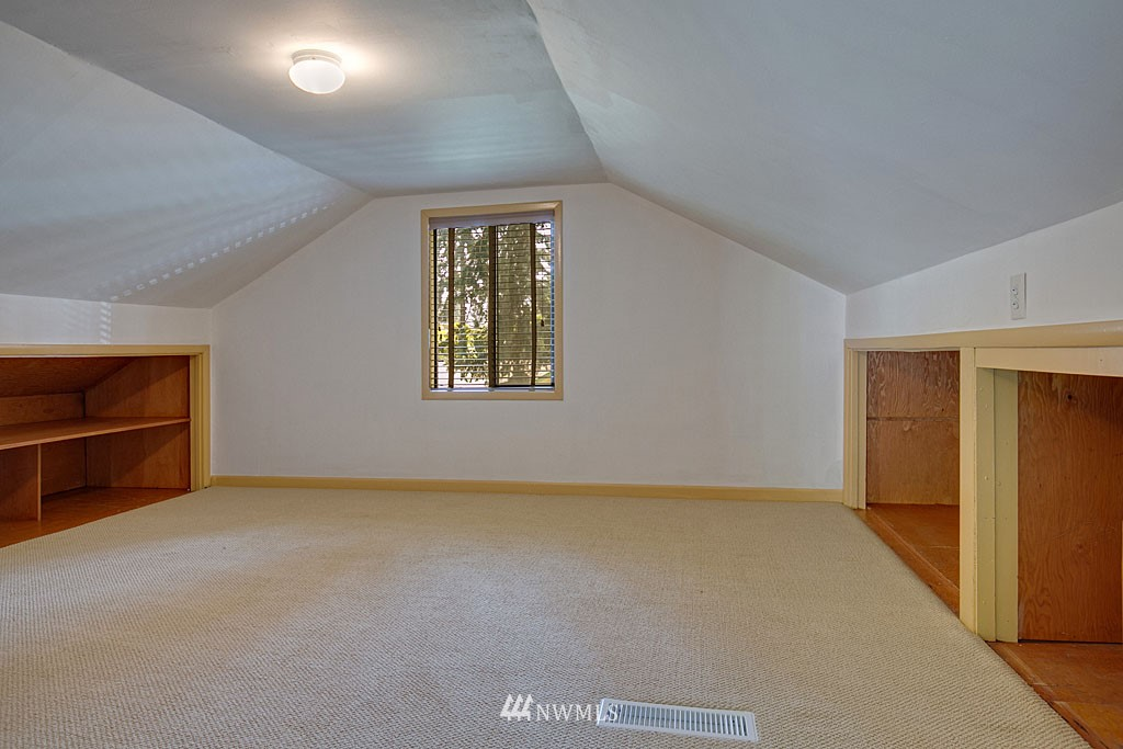 Sold Property | 13734 Stone Avenue N Seattle, WA 98133 11