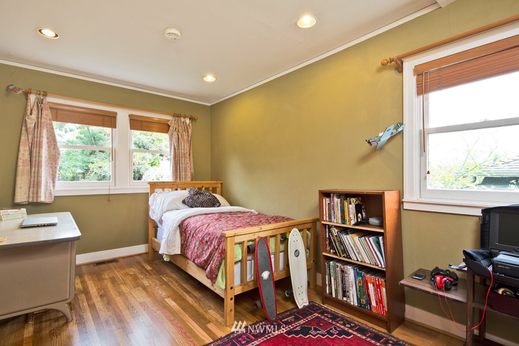 Sold Property   922 N 78th Street Seattle, WA 98103 7
