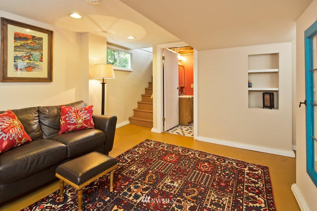 Sold Property   922 N 78th Street Seattle, WA 98103 9