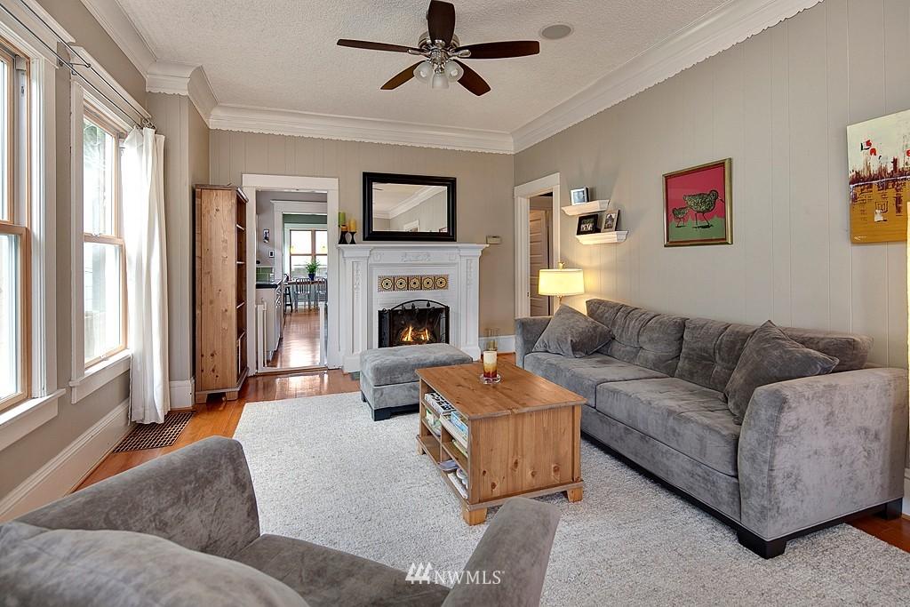 Sold Property | 418 N 61st Street Seattle, WA 98103 2