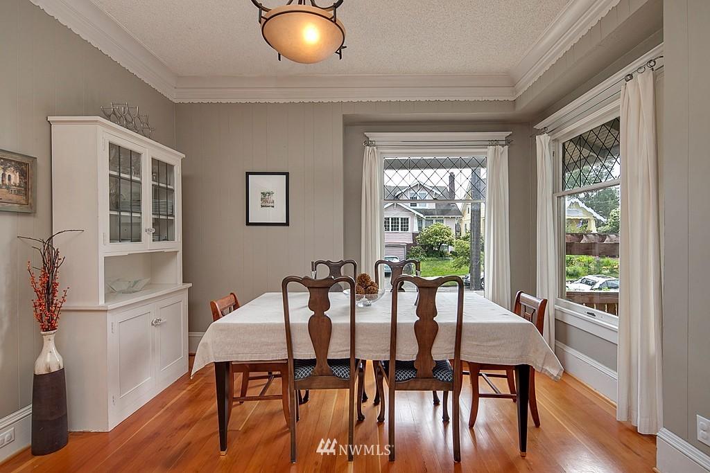 Sold Property | 418 N 61st Street Seattle, WA 98103 4