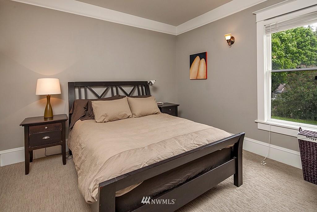 Sold Property | 418 N 61st Street Seattle, WA 98103 7