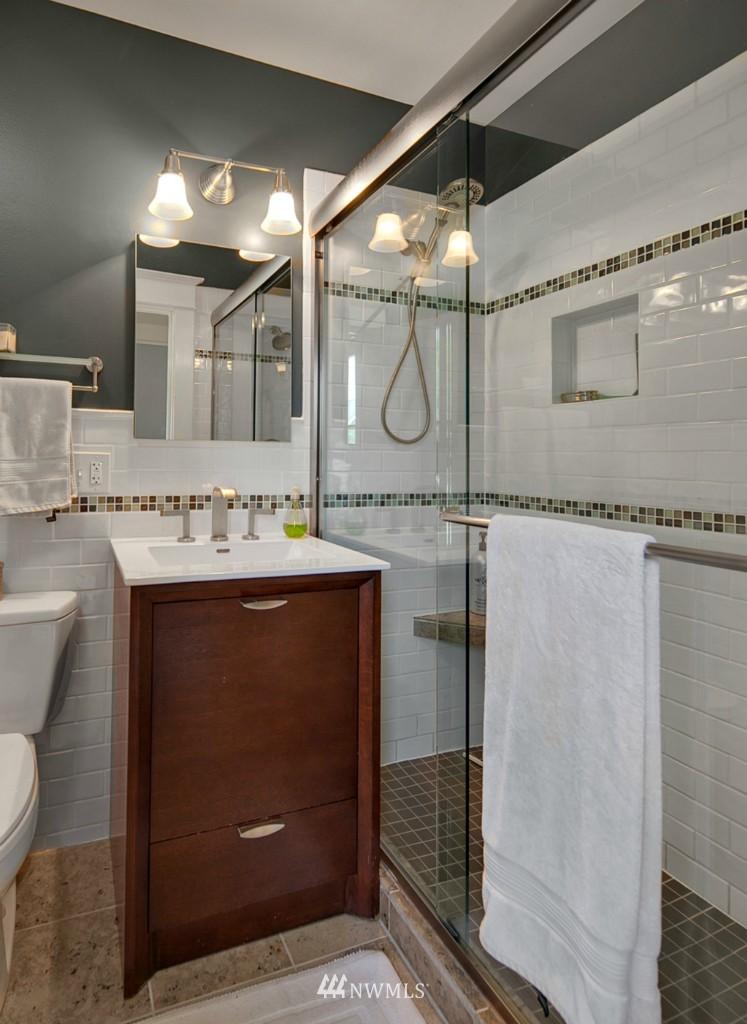 Sold Property | 418 N 61st Street Seattle, WA 98103 8