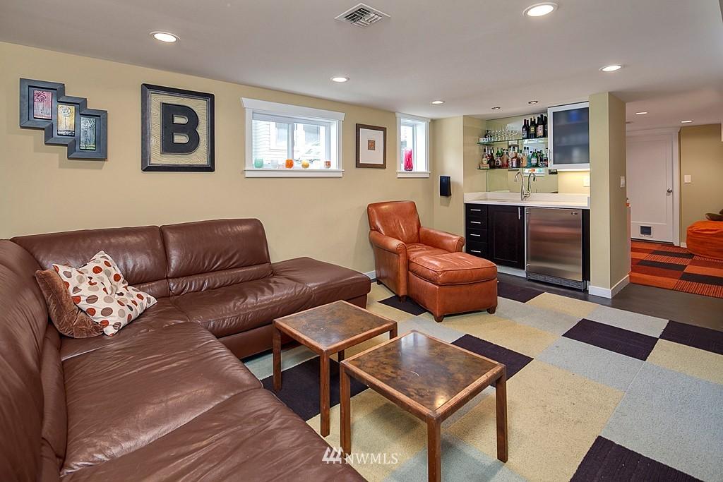 Sold Property | 418 N 61st Street Seattle, WA 98103 11