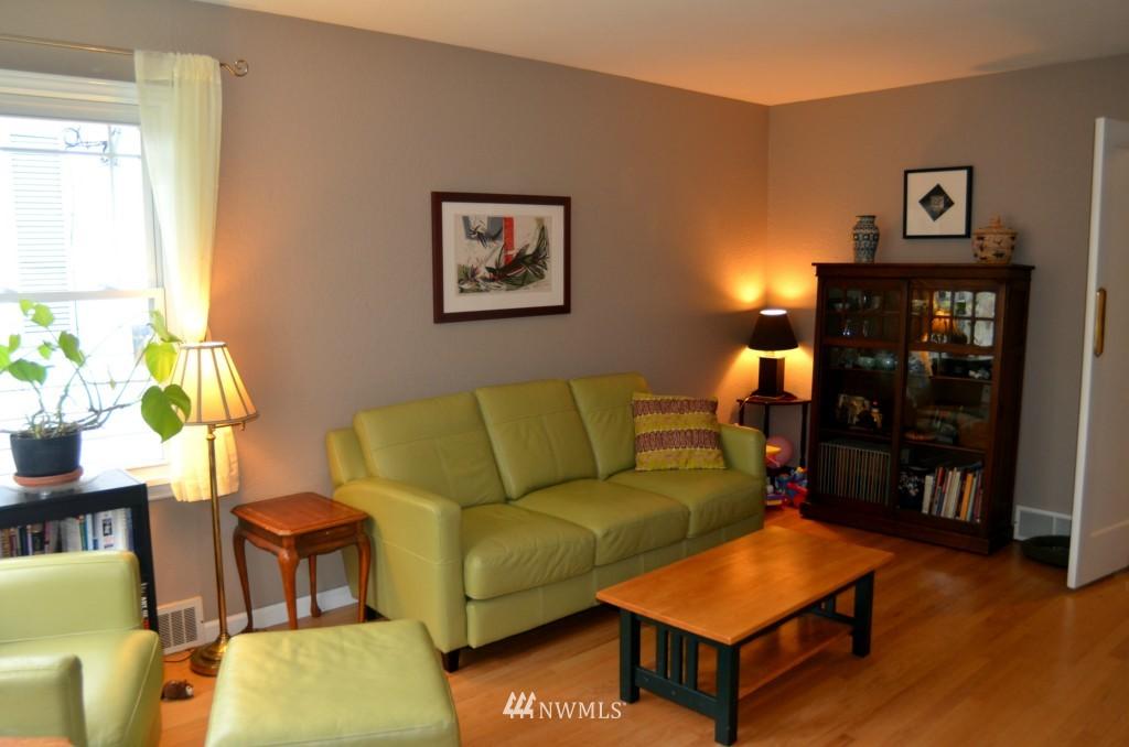 Sold Property | 7520 Earl Avenue NW Seattle, WA 98117 2