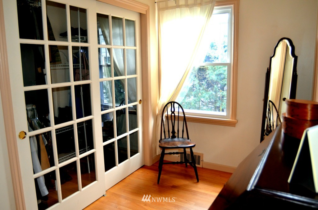 Sold Property | 7520 Earl Avenue NW Seattle, WA 98117 6