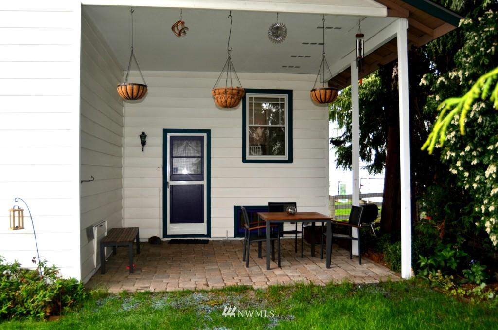 Sold Property | 7520 Earl Avenue NW Seattle, WA 98117 14